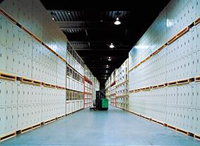 コーユーレンティア及びグループのレンタル品を保管している倉庫
